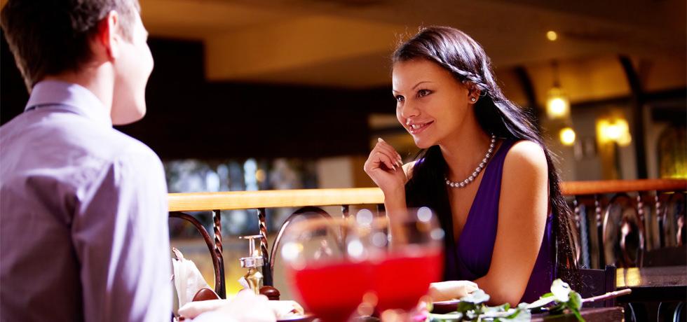Ein Paar im Restaurant
